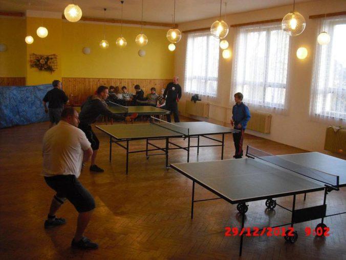 10 ročník ve stolním tenisu a šachy 006