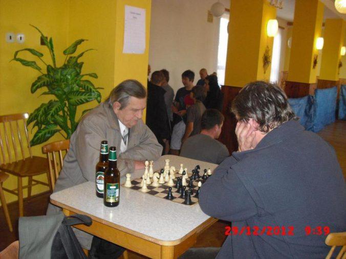 10 ročník ve stolním tenisu a šachy 016